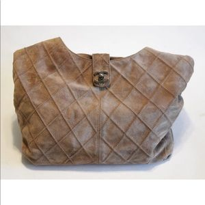 CHANEL TAN SUEDE HOBO BAG ENTRUPY AUTHENTICATED